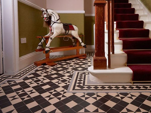 Olde English Bold Pattern Floor per m2